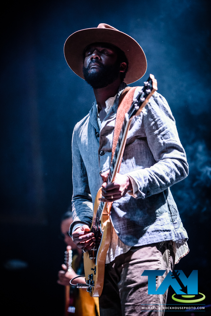 live photos gary clark jr at the tabernacle target audience magazinetarget audience magazine. Black Bedroom Furniture Sets. Home Design Ideas